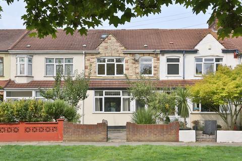 4 bedroom terraced house for sale - Downhills Way N17