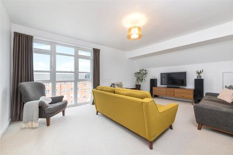 2 bedroom flat for sale - Derwent Court, Eleanor Close, London
