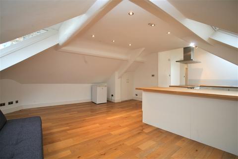 2 bedroom flat share to rent - Trebovir Road, Earls Court, Room 2, London, SW5 9NF