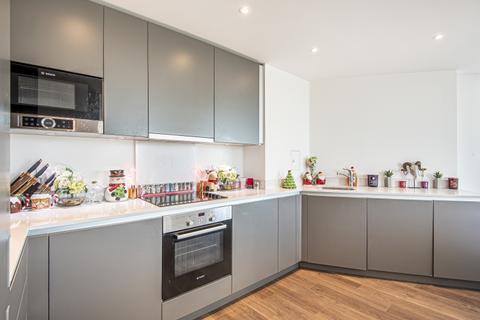 2 bedroom apartment to rent - Saffron Square Croydon CR0