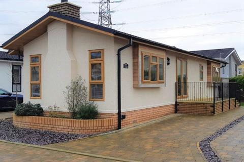 2 bedroom park home for sale - Wickham, Hampshire, PO17