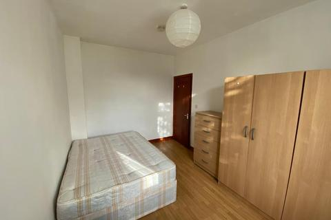 1 bedroom house share to rent - Creighton Road, White Hart Lane, London N17