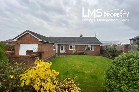 2 bedroom bungalow for sale - Brooks Lane, Middlewich