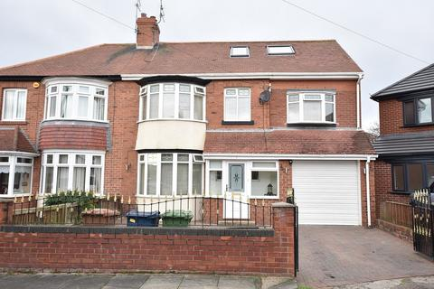 4 bedroom semi-detached house for sale - Ormesby Road, Fulwell