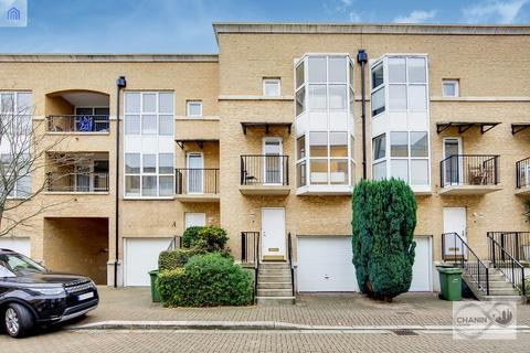 3 bedroom terraced house to rent - Royal Court, Surrey Quays, SE16