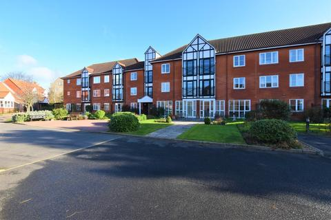 2 bedroom apartment for sale - Ashdown Court, Cromer