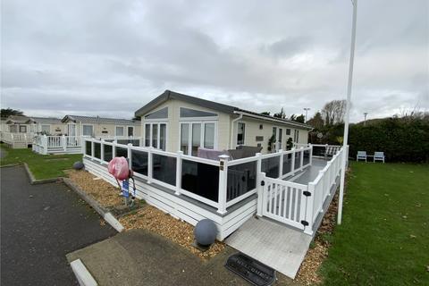 2 bedroom detached bungalow for sale - Hoburne Caravan Park, Hoburne Lane, Christchurch, BH23