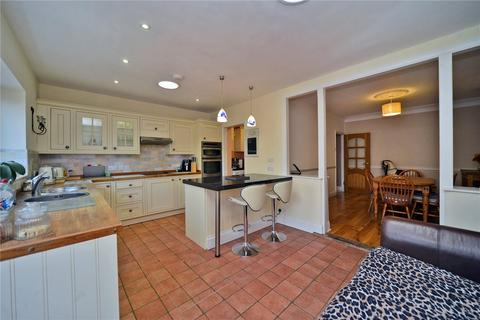 4 bedroom semi-detached house for sale - Hobart Road, Worcester Park, KT4