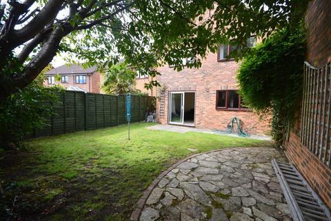 4 bedroom detached house to rent - Drew Close, Talbot Village
