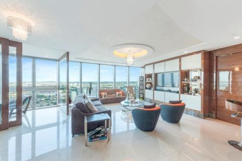 3 bedroom flat to rent - The Tower, St George Wharf