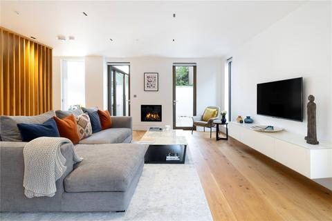 3 bedroom semi-detached house for sale - Hippodrome Place, Holland Park, W11