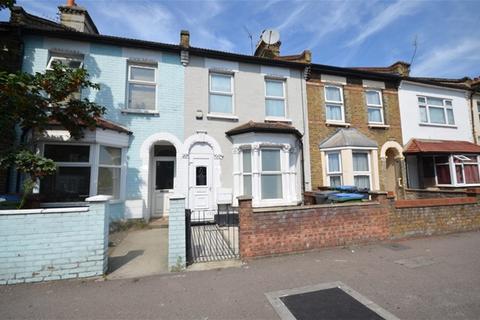 3 bedroom house - Cann Hall Road, Leytonstone