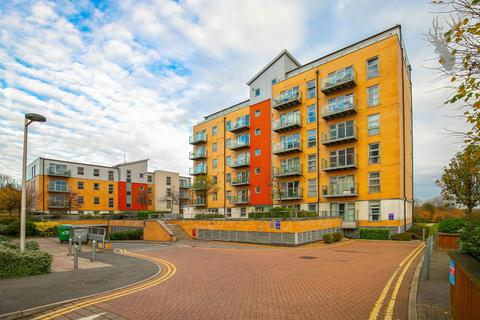 2 bedroom flat for sale - Queen Mary Avenue, South Woodford