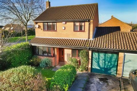 3 bedroom link detached house for sale - Edrich Avenue, Oldbrook, Milton Keynes