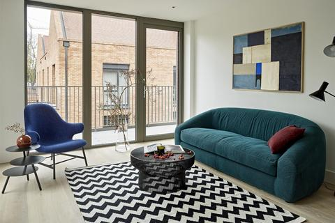 2 bedroom flat for sale - Kidderpore Avenue, London