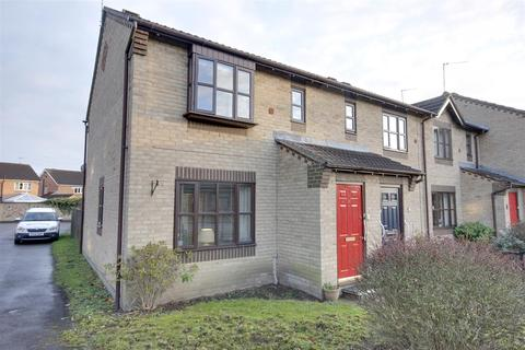 2 bedroom terraced house - Centurion Way, Brough