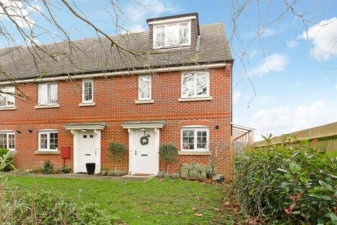 3 bedroom end of terrace house for sale - Windmill Drive, Tangmere
