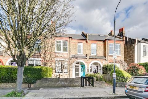 3 bedroom flat - Aylmer Road, London, W12