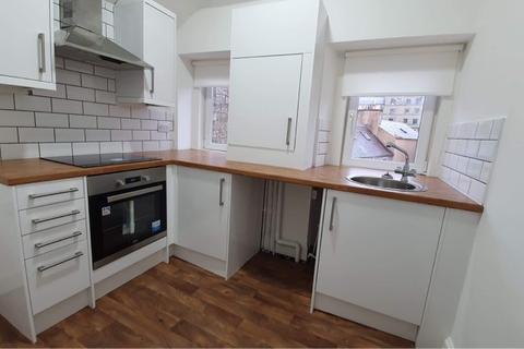 2 bedroom flat to rent - High Street,  Hawick, TD9