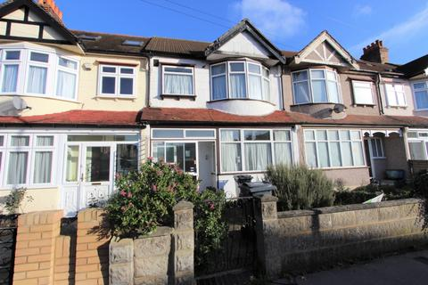 3 bedroom terraced house - Addiscombe Avenue, Addiscombe, CR0