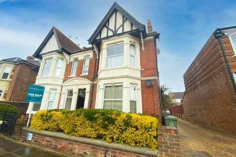 2 bedroom flat for sale - North End Avenue, Portsmouth, PO2