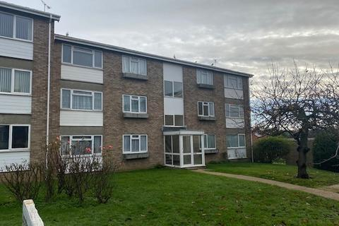 2 bedroom flat to rent - Gatefield Close , Walton-on-the-naze  CO14