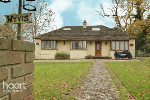5 bedroom detached bungalow for sale - Farthing Street, Orpington