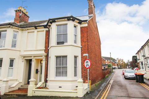 1 bedroom detached house - King Edward I, Room Three, Dudley Street, Leighton Buzzard,