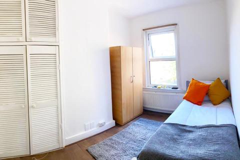 1 bedroom terraced house to rent - LONDON, N17