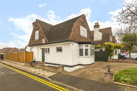 3 bedroom detached house - The Retreat, Harrow, Middlesex, HA2