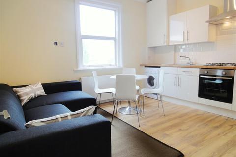 4 bedroom flat - Peckham High Street, Peckham , SE15 5EB