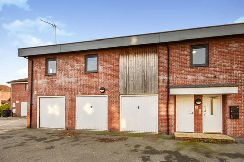 2 bedroom maisonette to rent - Arnhem Road, Chelmsford