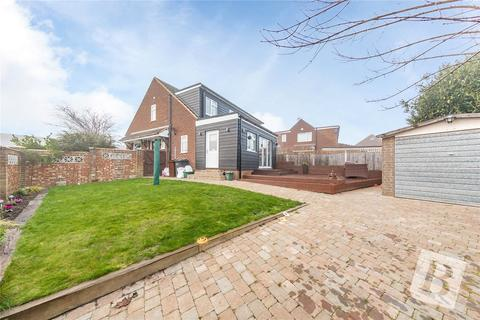 3 bedroom semi-detached house for sale - Coombe Rise, Chelmsford, CM1