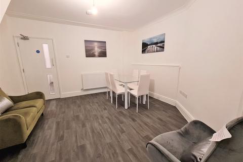1 bedroom house share to rent - High Street, Cheltenham, GL50