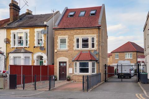 4 bedroom detached house - Truro Road, Bowes Park, London, N22