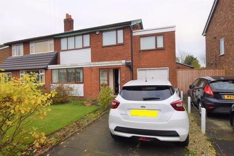 4 bedroom semi-detached house - Baileys Close, Farnworth