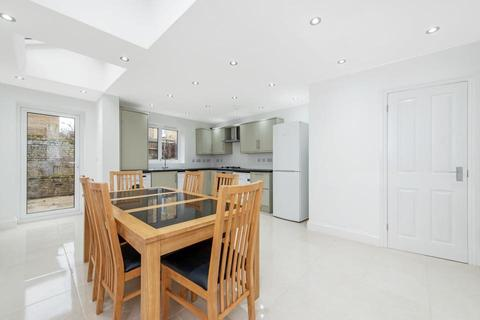 4 bedroom terraced house to rent - Maritime Street, London E3