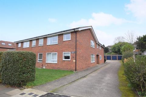 2 bedroom flat to rent - Warren Road, Orpington