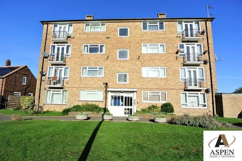 2 bedroom apartment - Cordelia Road, Staines-upon-Thames, TW19