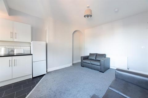 1 bedroom house share to rent - £69pppw - Benton Road, High Heaton, Newcastle Upon Tyne