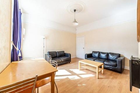 3 bedroom flat - £65pppw - Sackville Road, Heaton, NE6