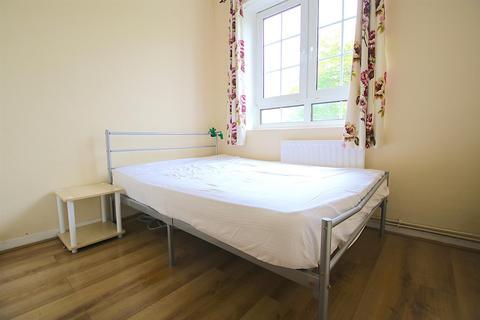 1 bedroom house share to rent - Ellen Street, London