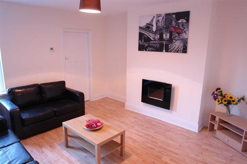 3 bedroom flat - Sackville Road, Heaton, Newcastle Upon Tyne