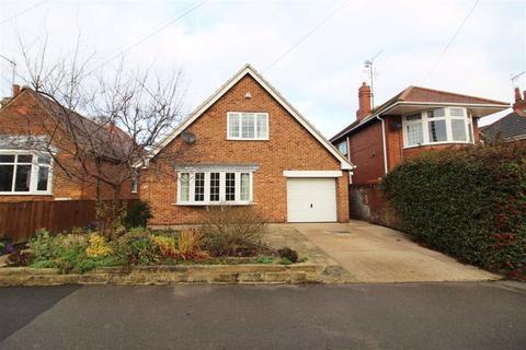 3 bedroom detached house for sale - Central Avenue, Beverley, East Yorkshire