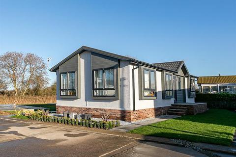 2 bedroom property for sale - Sandholme Lane Caravan Park, Carr Lane , Leven , HU17 5LW