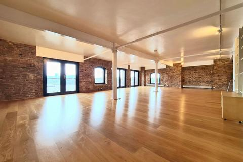 3 bedroom apartment for sale - St Johns Wharf, Wapping High Street, London, E1W