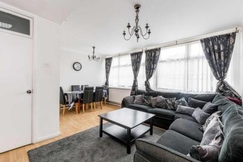 3 bedroom maisonette for sale - Cottage Street, London