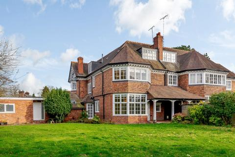 4 bedroom semi-detached house - Curzon Park North, Chester