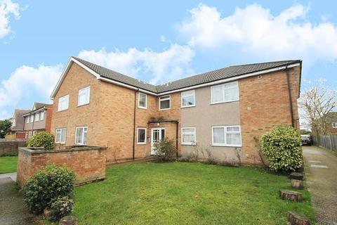 2 bedroom flat for sale - Feltham Road, Ashford, TW15