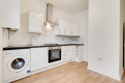 6 bedroom flat to rent - Brockley Road, Brockley, London, SE4